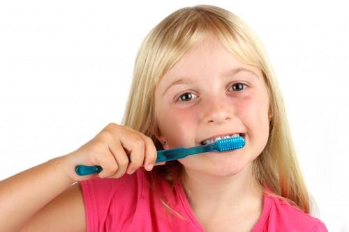 Evitati afectiunile dentare ale copiilor!